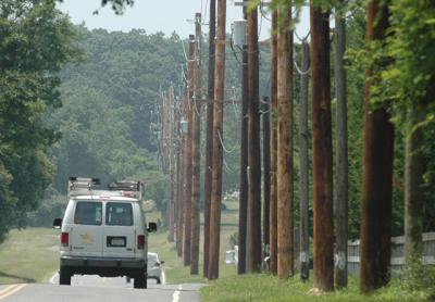 Town Joins Suit Challenging PSEG Poles